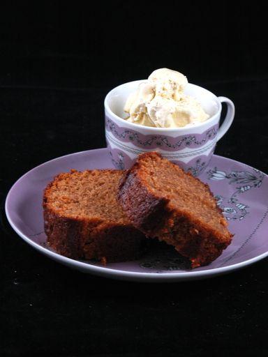 Cake aux carambars : Recette de Cake aux carambars - Marmiton Fait et refait !! Il fait toujours l'unanimité !! mais pas le temps de faire une photo, il a déjà quasi disparu. lol Pour ma part, je mets beucoup moin s de sucre, les carambars suffisent <3