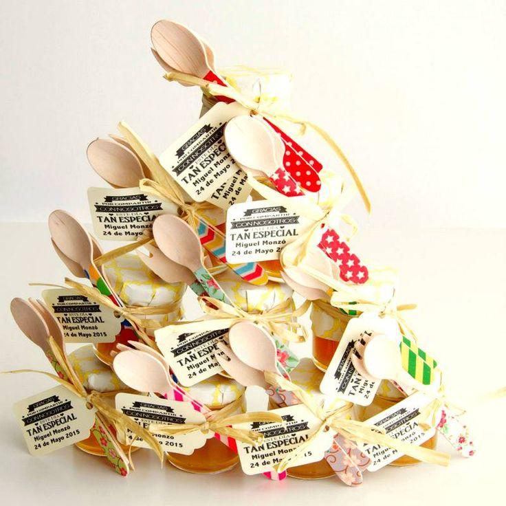 cucharitas de madera en botecito de miel (foto de DELICIOSSO)  pedidos y catálogo: detallisime@yahoo.es