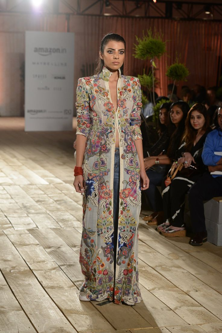 All the Looks From Anamika Khanna at Amazon India Fashion Week Spring/Summer 2016