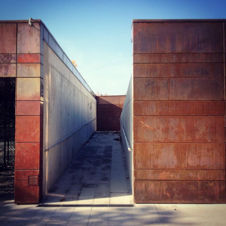 Hydropolis / ART FM #panelemiedziane #hydropolis #hydropoliswroclaw #miedz #miedzwarchitekturze #aurubis #archdaily #architect #M2NH #archilovers #architektura #polandarchitecture  #polisharchitecture #architecturelovers #architecturephotography #wroclovers #concreate #urbanabstraction #igerswroclaw #facade #copperdesign #copperpanels #copper #archspotting #polskaarchitektura