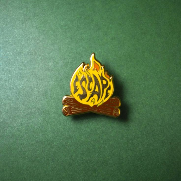 Do you love the smell of wood and fresh air? Well, the escape pin by @asildastore will remind you of it