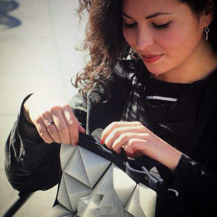 #wearable #wearables #backpack #fashion #fashionablecyborg #fashionabletechnology #art #arte #contemporary #artecontemporaneo #3dprinting #3d #diy #environment #arduino #avilesdatacity #adafruit #uh513 #uh513studio #maker #mariacastellanos #albertovalverde #aviles #asturies #asturies by imperdiblewoman