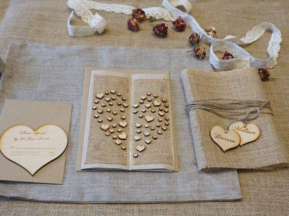 Rustikale Hochzeitseinladung Sackleinen von EngraveCelebration