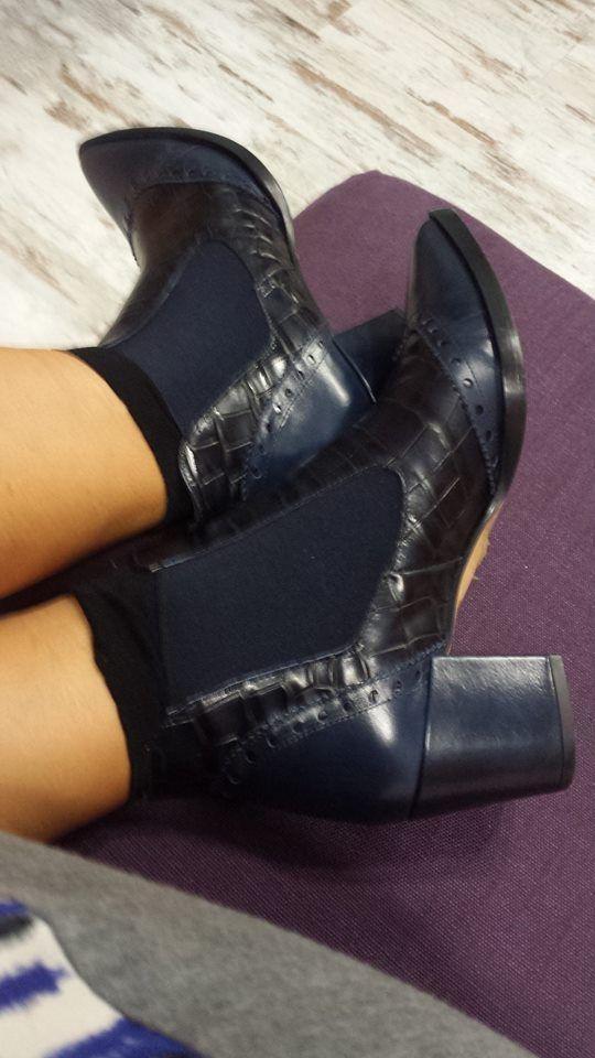 Zapatería  En Miilu, zapatería para los enan@s de la casa y para las guapas mujeres   Dionisio Aldama, 2 01470 Amurrio  Tfno: 945 89 22 44