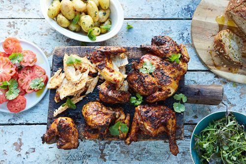 Курица гриль в духовке butterfly  Курица гриль в духовке - очень подходящий рецепт для любого времени года: можно приготовить и на гриле не свежем воздухе, но в духовке будет не хуже!  Курочка готовится в маринаде, по принципу butterfly.   Очень удобно, когда надо быстро приготовить курица на обед или ужин!