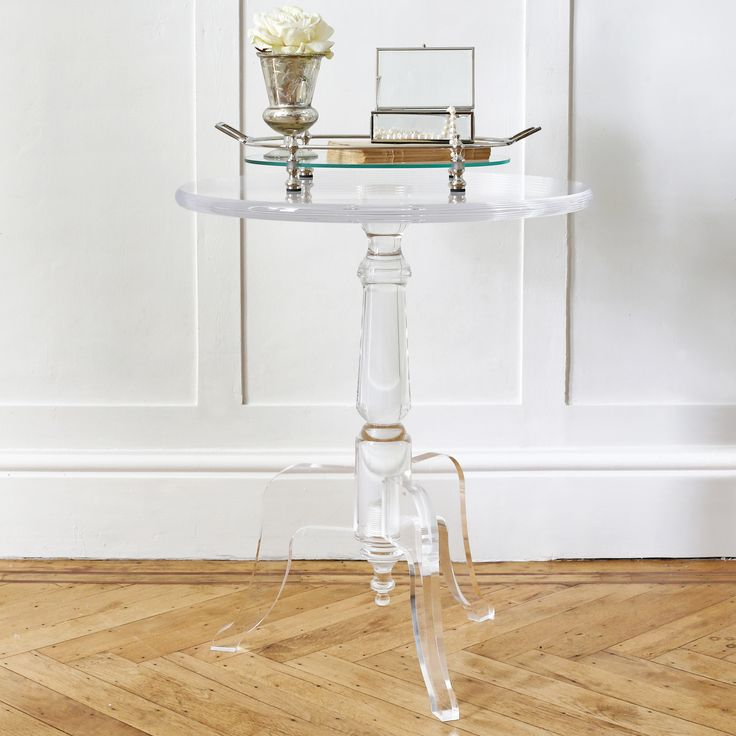 We love the look of this LuciteLux® acrylic table - light yet substantial at the same time.