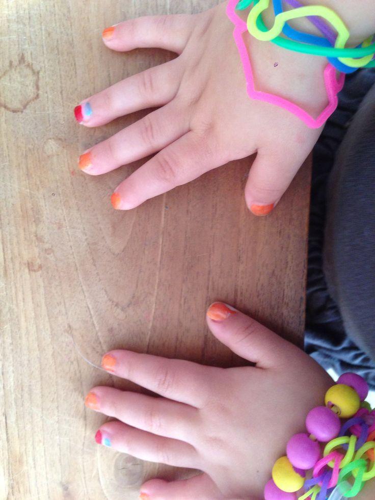 Koningsnagels  Koningsdag nagellak peuter :-)  Rood-wit-blauw-oranje