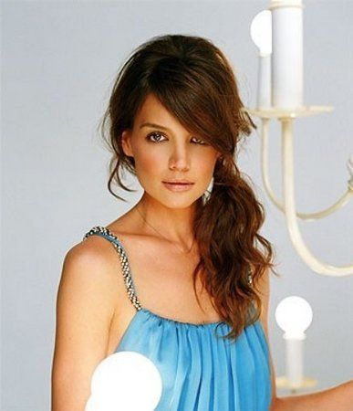 Katie Holmes can pull off any look