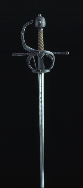 Swept Hilt Sword, 16th Century, Steel, 127 cm, Inventory Number 184, Museo Lázaro Galdiano, Madrid.