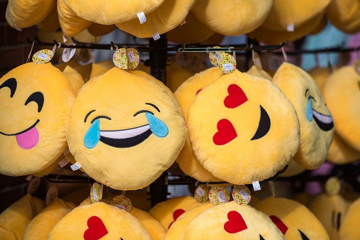 Now prolong your chats with extra free emoji and emoticons on your own keyboard…