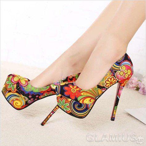 Текстильные цветные туфли
