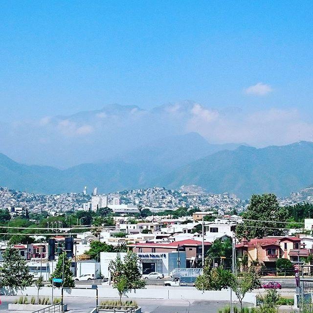 """Where city meets the sky.... #fusion #naturephotography #nature #landscape #landscapephotography #Monterrey #city #citylife #cities #sun #travelphotography #travelblogger #thursday #mountains #view #vista #viewpoint #education #speaker #university #bluesky #skyline #Mexico"" by @sally_eaves (Sally Eaves). #turismo #instalife #ilove #madeinitaly #italytravel #tour #passportready #instavacation #natgeotravel #mytinyatlas #traveldeeper #travelawesome #travelstoke #travelwriter #lonelyplanet…"