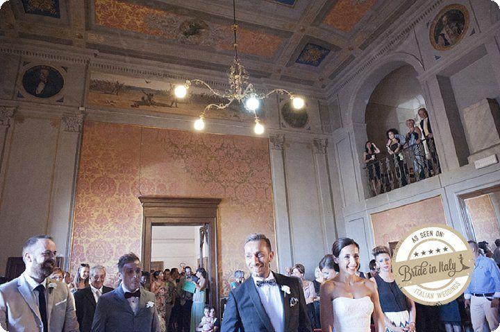 Are you planning a civil wedding? Comune di Civitanova Alta (Civitanova Marche) is just gorgeous. Ph EnneFoto http://www.brideinitaly.com/2013/12/ennefoto-bianco-giallo.html #italianstyle #rustic #wedding