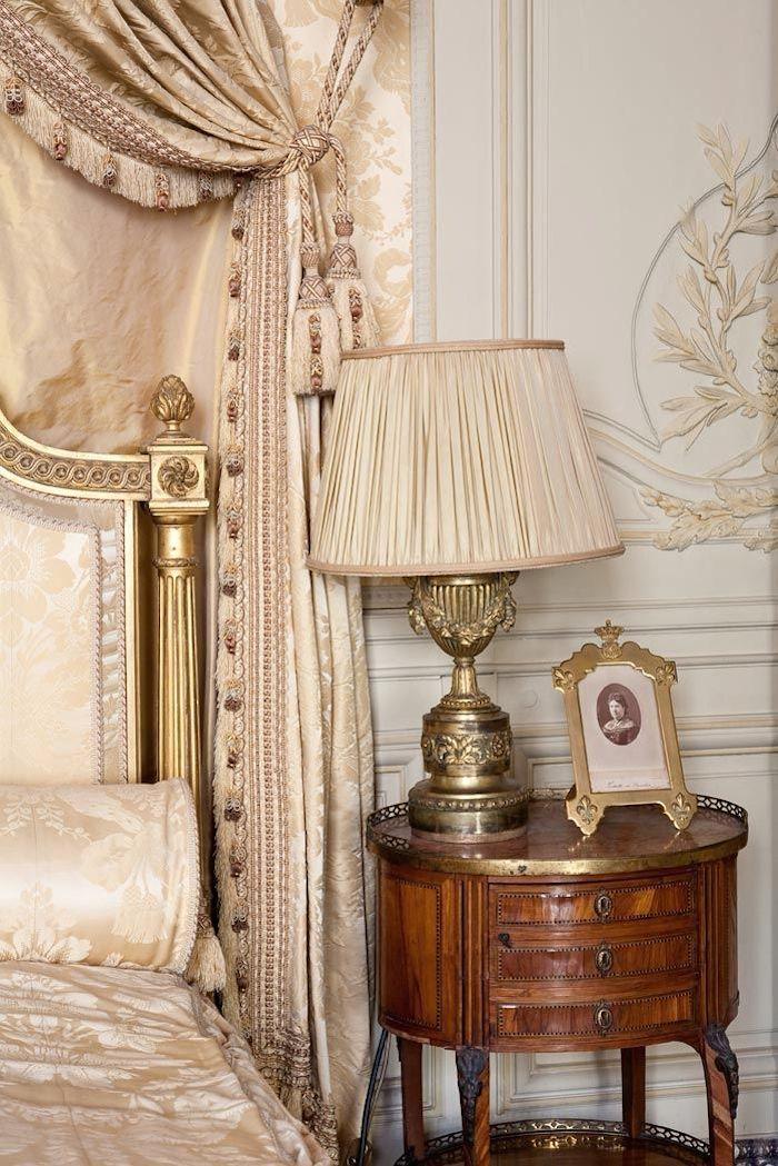 47 best tables de chevet images on pinterest side tables - Mini table de chevet ...