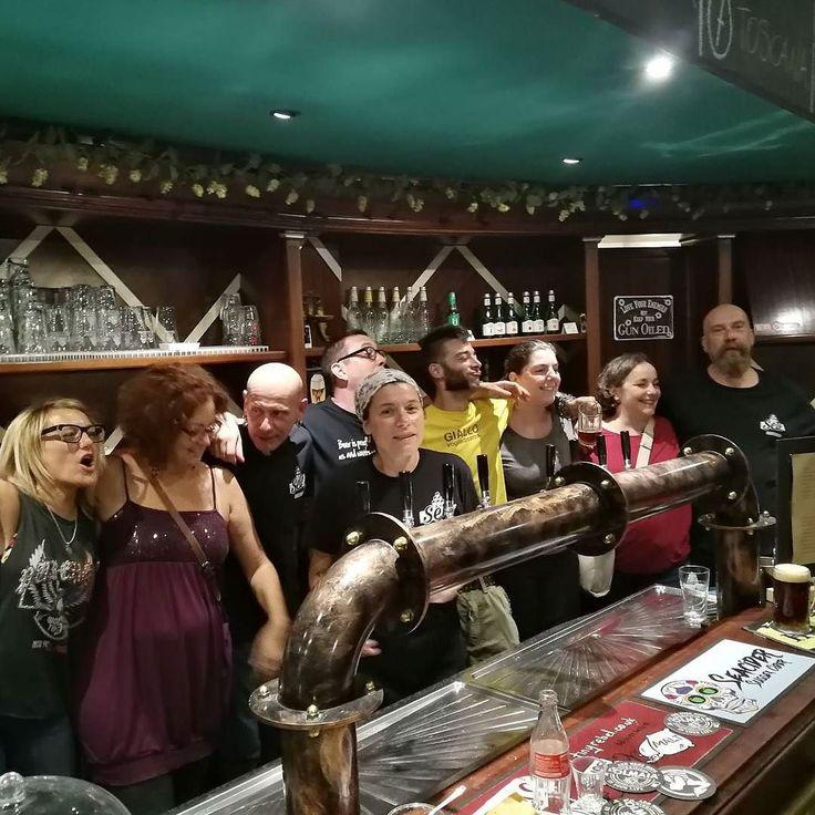 Serata dei birrifici storici toscani. . . . #birraartigianale #birra #cerveza #bier #biere #cerveja #pivo #beerporn #instabeer #cervejaartesanal #breja #beergeek #beerstagram #piwo #beerlover #øl #instacerveja #beeroftheday #beer #craftbeer #cervejaespecial #beergram #ilovebeer #instabeer #instapic #picoftheday #pintamedicea #pub
