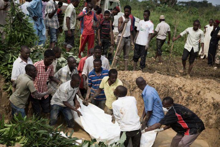 Dans une République centrafricaine à 80 % chrétienne ou animiste, la population musulmane est largement minoritaire. Les forces françaises e...
