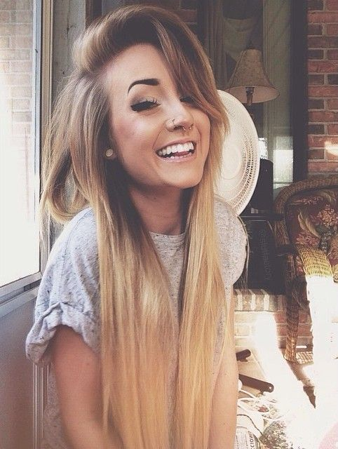 Straight, ombre blonde hair.