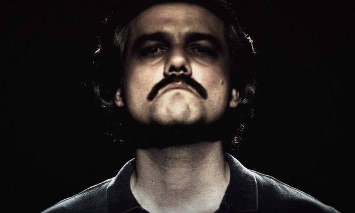 Irmão de Pablo Escobar quer revisar segunda temporada de 'Narcos' - Jornal O Globo