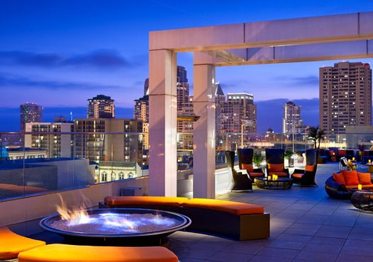 San Diego features fantastic rooftop bars, lounges and nightclubs. Enjoy San Diego's nightlife while also enjoying the city's great climate!