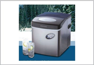 Holiday #GiftIdeas for the RV'er on your list! Ice Maker Dometic /   Distributeur de glaces. Special $189.95. See website for details