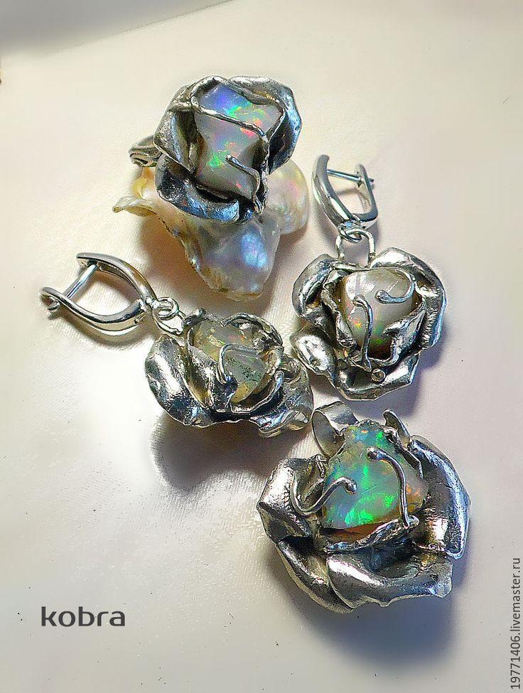 Купить комплект с опалом РОЗА - комбинированный, кольцо с опалом, серьги с опалом, комплект с опалом