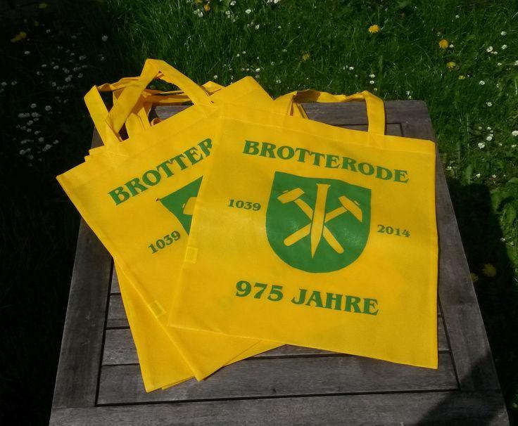 Tragebeutel anlässlich der 975 Jahrfeier von Brotterode in der Gästeinformation Brotterode erhältlich !