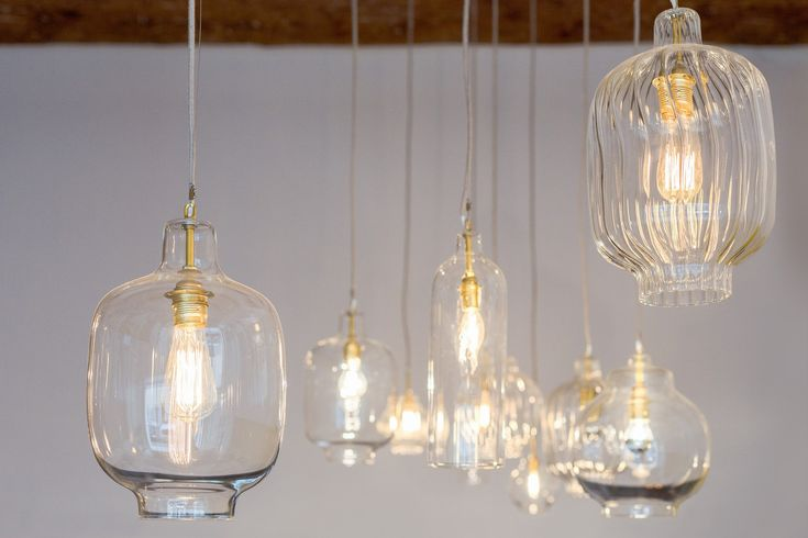 bertrand guillon architecture - architecte - marseille - Fietje - bar à bières - beer bar - verre soufflé - suspensions en verre - poutres apparentes - ampoule à filament - câble textile