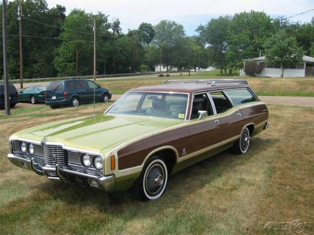 1972 Ford Country Squire  ...