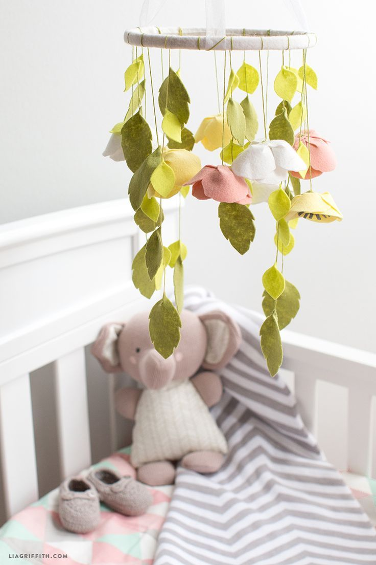 25 best ideas about flower mobile on pinterest mobiles for Diy felt flower mobile