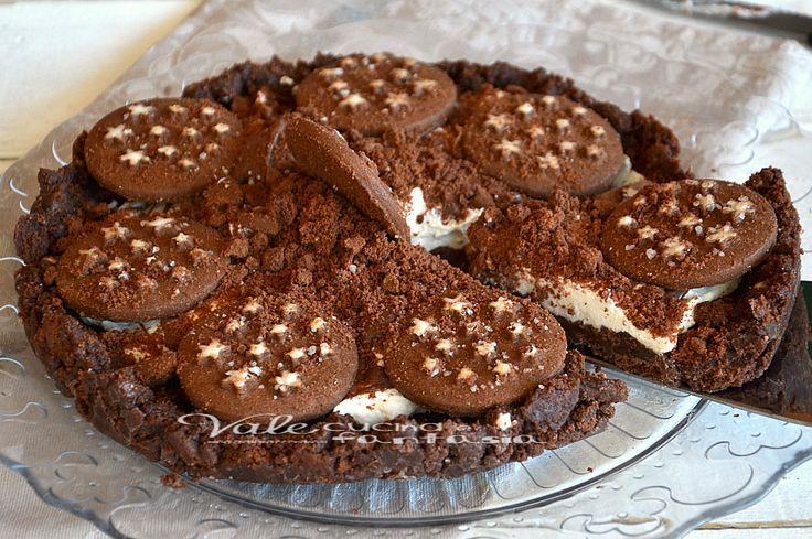 Sbriciolata pan di stelle alla ricotta ricetta senza cottura facilissima e golosa, ideale per compleanni e come dolce della domenica, oppure come merenda