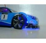 """Secara tampilan warna mobil remote control (RC) chevrolet cruze ini sudah sanggat menarik, Warna dominan biru tua dengan warna biru muda dikombinasikan dengan lampu kolong warna biru sehingga Mobil RC ini tidak perlu merogoh kocek dalam-dalam untuk urusan modifikasi. Selain itu mobil RC ini dilengkapi dengan tombol """"Turbocharging"""" thortle akslerator pada remotenya dan socket tambahan untuk double battrey sehingga diperoleh akslerasi kecepatan extra layaknya  """"NOS"""" pada mobil balap sungguhan"""