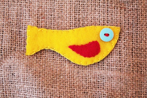 Yellow bird brooch made from felt. £2.00