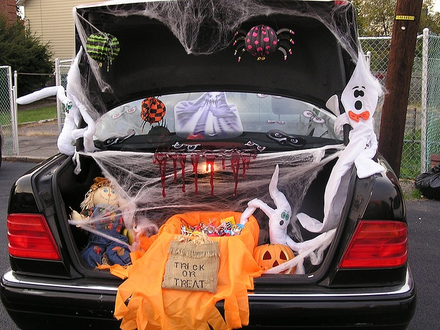 Trunk or Treat by McDuck17, via Flickr