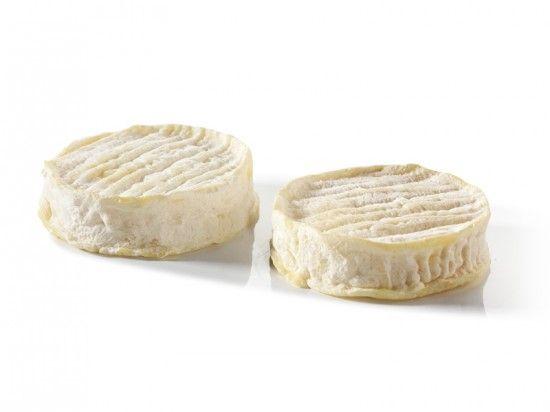 Le Rocamadour Grand Cru : Son délicieux arôme caprin vous surprendra, ainsi que sa texture tendre. Découvrez le plus onctueux des fromages de chèvre !