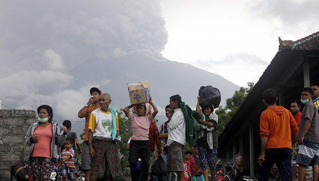 Το Κουτσαβάκι: Εκατοντάδες τουρίστες έχουν αποκλειστεί  στο Μπαλί...