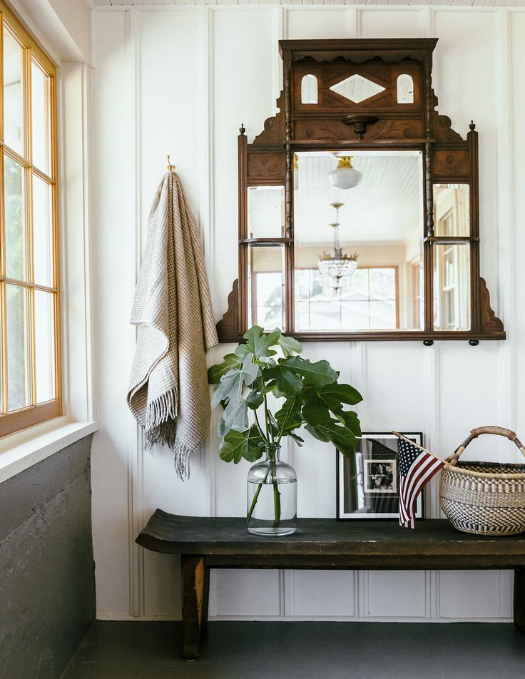 Antique Statement Mirror Over A Wood Bench How To Style An Entryway Mirror In The Entryway Emerick Architects Home Decor Foyer Decorating