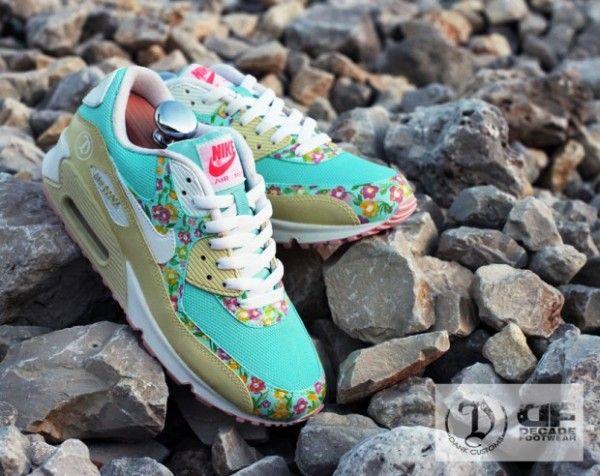 Nike Air Max 90 'Freedom' by Dank Customs | KicksOnFire