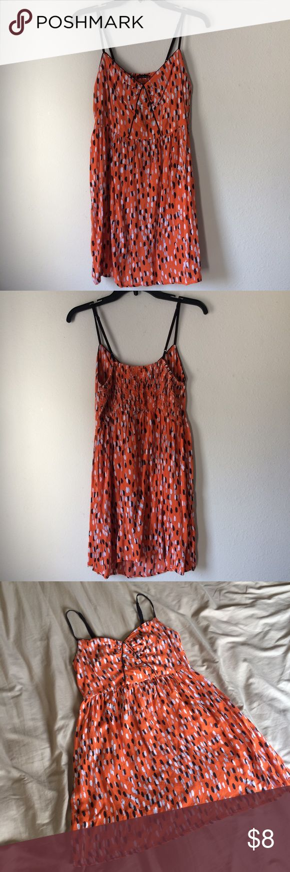 Bright orange mini dress with pockets A fun mini dress with pockets. It has adjustable straps for a comfy fit. The size tag fell, but it's around a Medium. Please let me know if you have questions.☺️ NOT UO, JUST FOR EXPOSURE! Urban Outfitters Dresses Mini