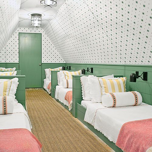 20 Fabulous Beach House Bunk Rooms