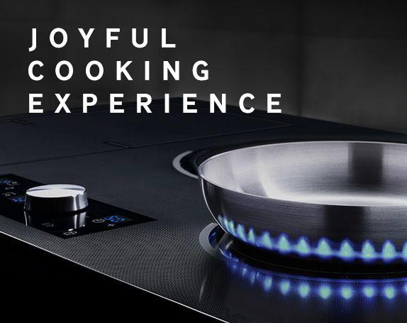 Virtual Flame Induction Hob - 가스레인지의 불꽃이 주는 시각적 만족도와 교감을 인덕션레인지에 더한다면 어떨까. 마치 실제처럼 움직이는 가상불꽃으로 감성적이고 아날로그적인 느낌을 제공하여 화력의 인지율 및 사용성을 높이고 사용자가 요리를 하는 과정을 충분히 즐길 수 있도록 했다.