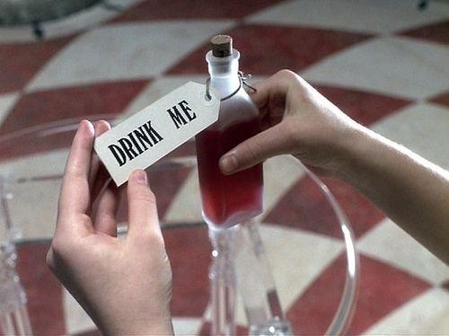 1999, alice, alice in wonderland, beba me, drink, drink me, drugs, garrafa, go ask alice, photography, quote, storybook