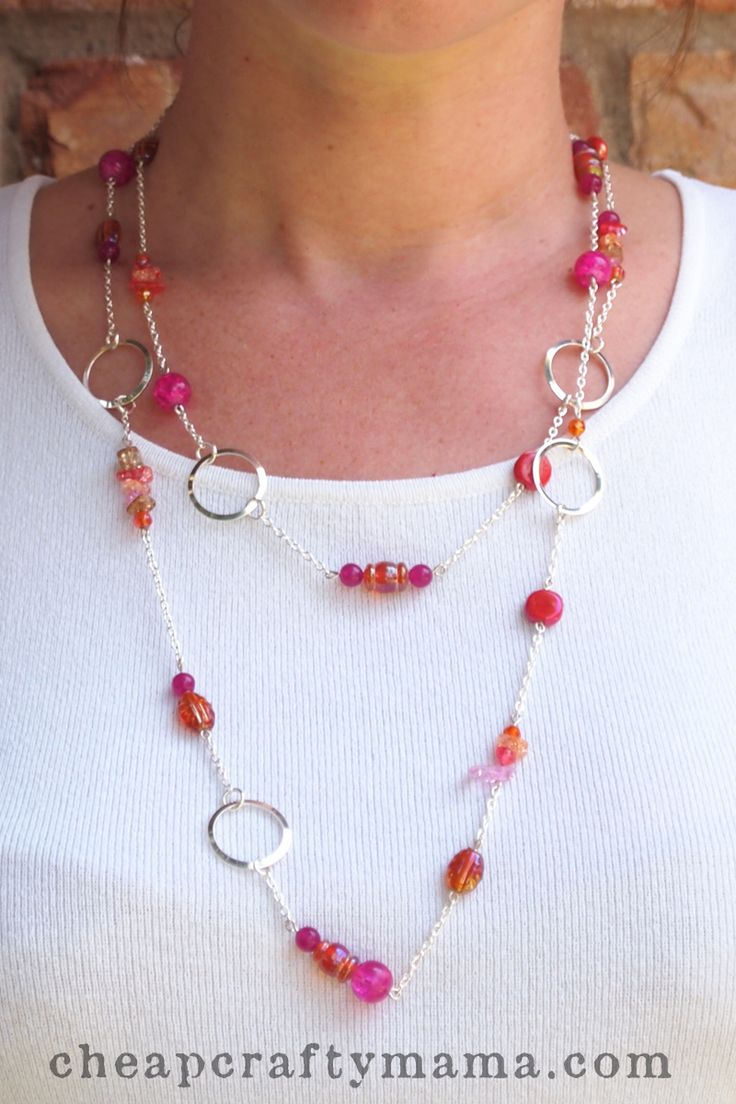 Another Pinner wrote: This is a fun necklace I recently made as a gift. It combines glass beads, wires, and chains to make a long necklace that can be worn several different ways. You will need: mixed glass or stone bea...