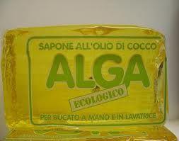 Detersivo per piatti con sapone alga.   vivere verde