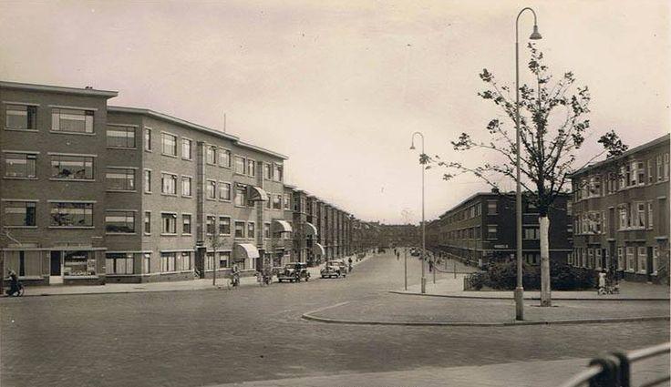 De Driebergenstraat in Den Haag omstreeks 1953