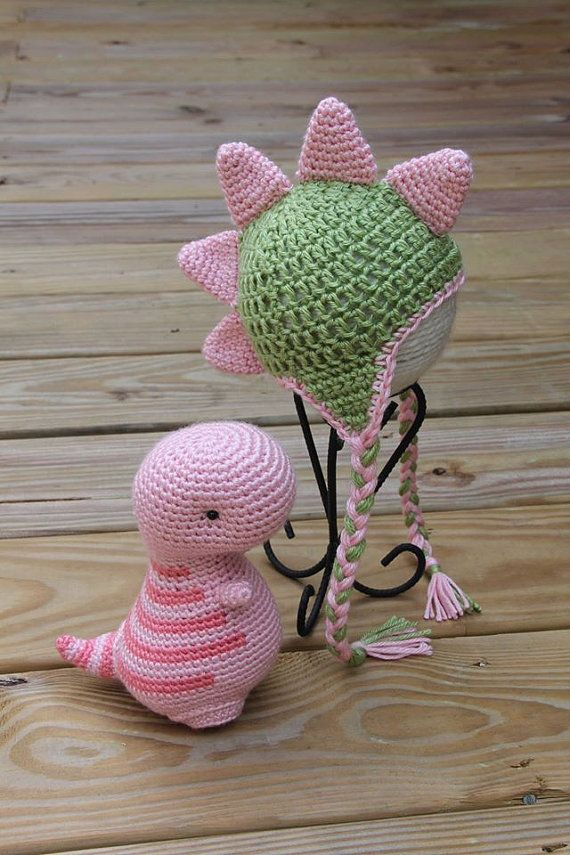 T-Rex/Pink Dinosaur/Pink T-Rex Hat/Crochet Animal Set/Dinosaur Hat and Stuffed Dinosaur/Dinosaur Set Newborn/Dinosaur PhotoProp