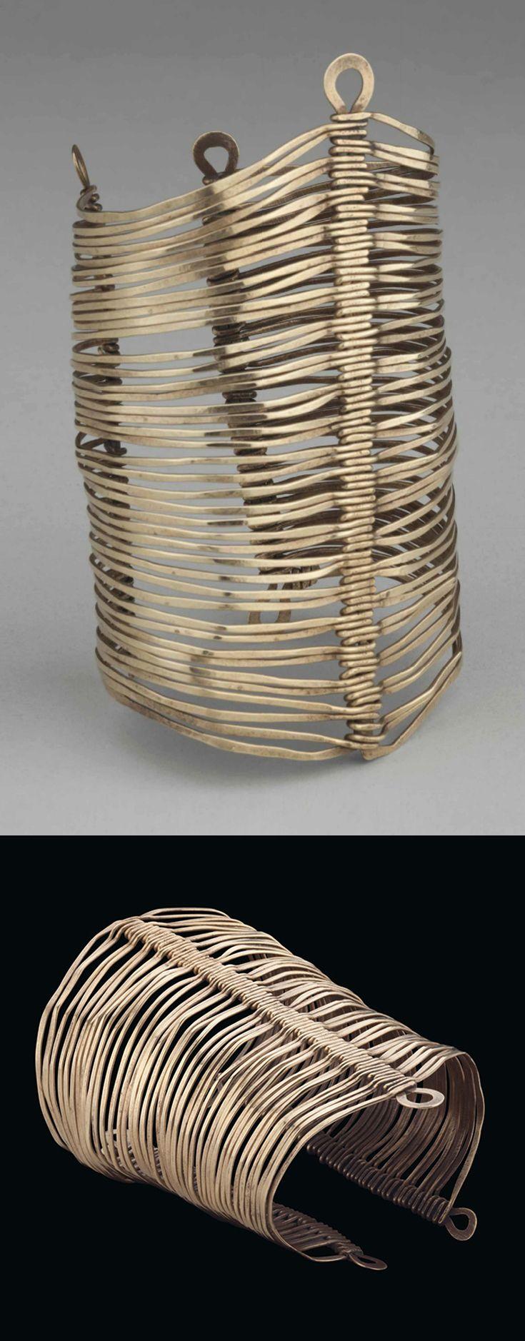 Bracelet   Alexander Calder. Brass wire. ca. 1940   Est. 60'000 - 80'000$ ~ (Mar '15)
