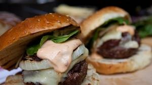 Perfect burgers with spiked aioli | recipe rotation | Pinterest ...