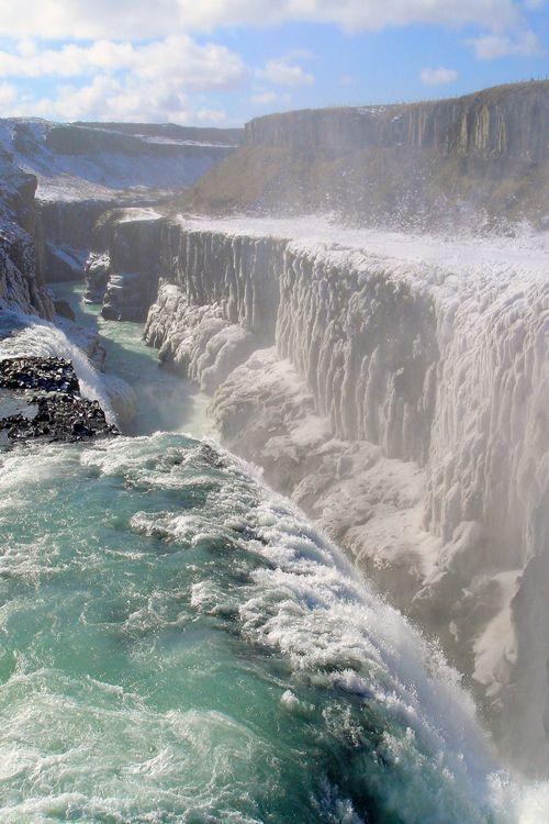 C H Ou ............... Waterfall Gullfoss, Iceland ...... Taken on the Golden Circle tour in Iceland