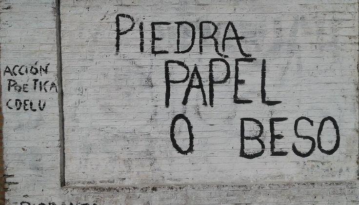 Piedra Papel o Beso  #artepublico #calle