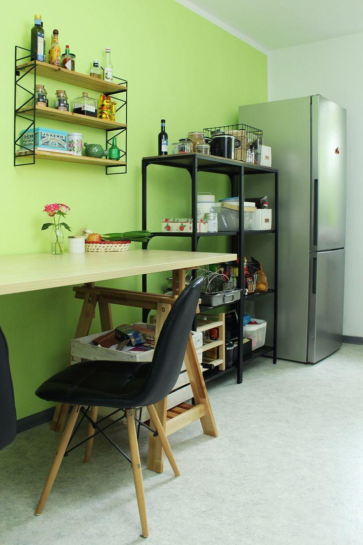 Das Makeover für unsere Küche ist fertig! Endlich eine neue Wandfarbe - von Alpina! #grün #green #lime #wandfarbe #dekor #dekoration #decoration #decor #interior #küche #wohnen #küche #living #sauce #spices #design #renovieren #spring #summer #fresh